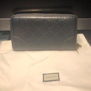 Gucci Guccissima Black Leather wallet